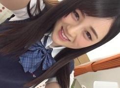 【鈴原エミリ】彼氏にオナニービデオレター!恋は盲目な女子校生がパイパンマンズリをセルフ撮影