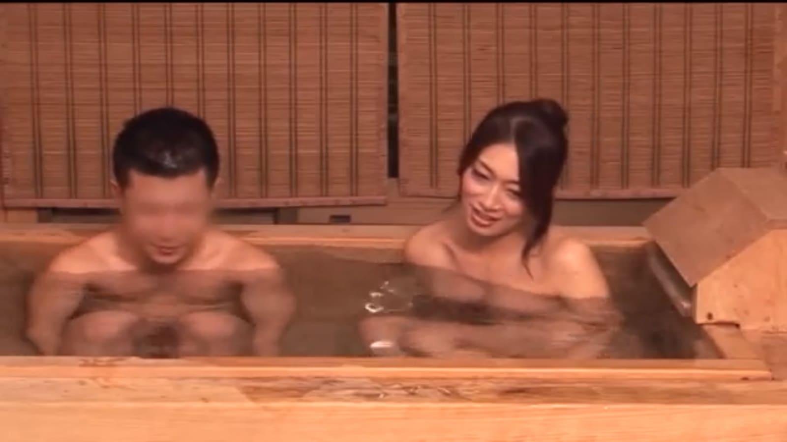 小早川怜子と温泉旅行混浴