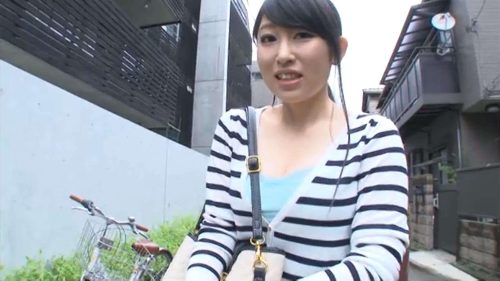 自身の猥褻動画をアップロードしている人妻永崎文