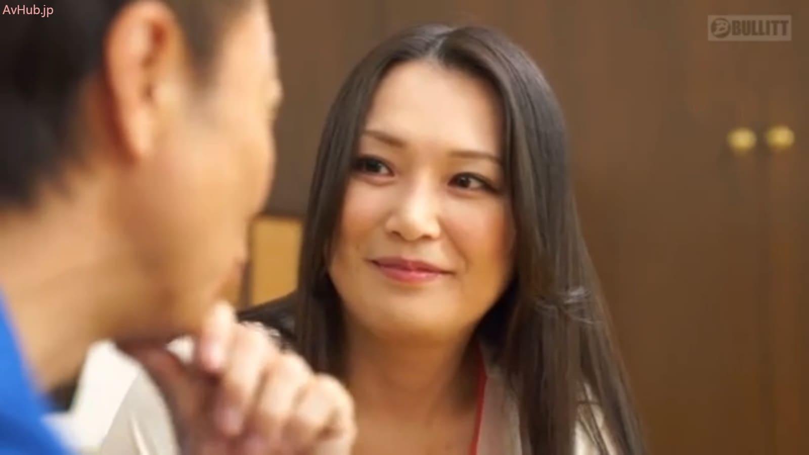 未亡人のバツイチ美熟女京野美麗