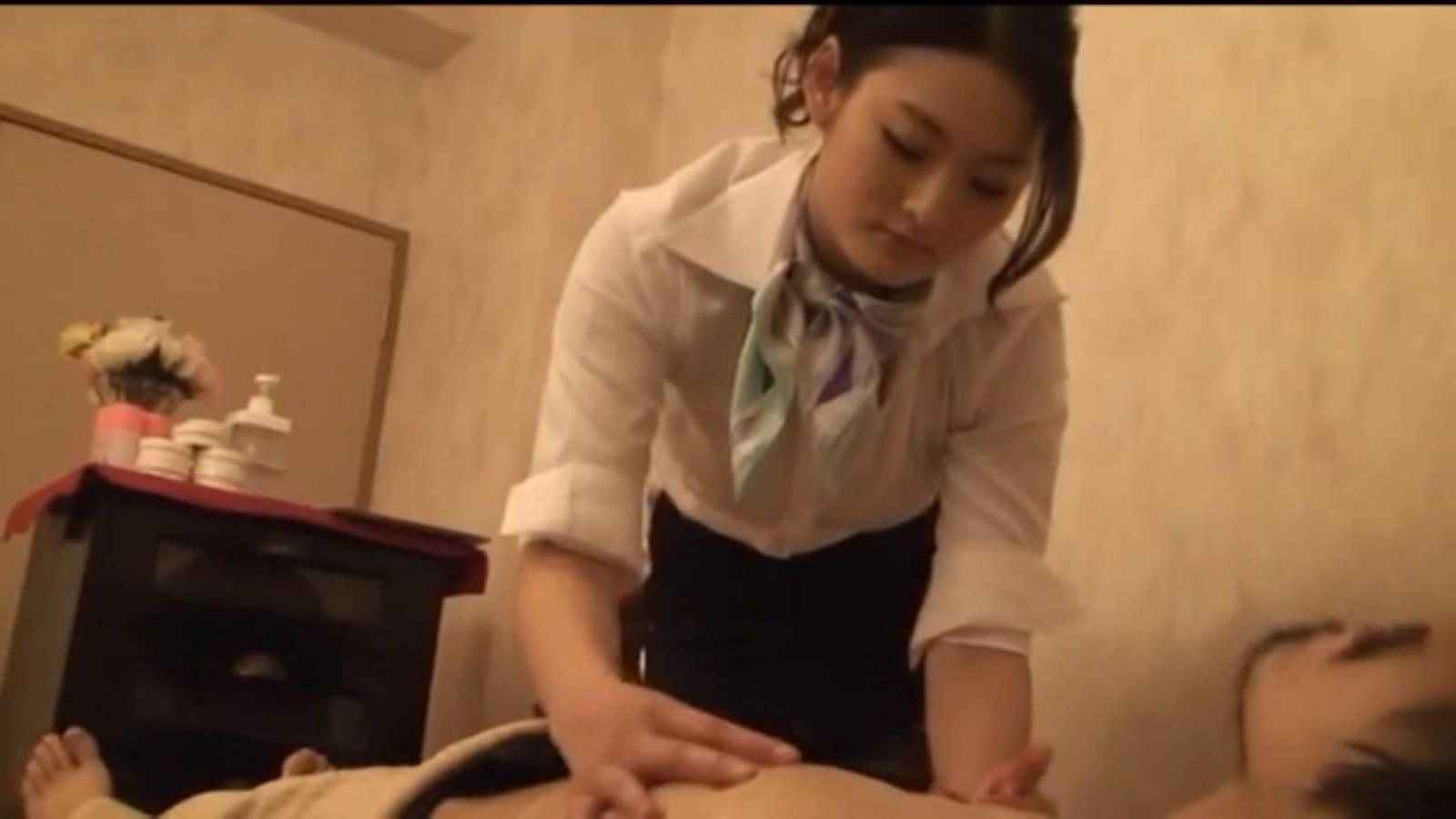 竹内紗里奈が熟練のテクニックで施術してくれる高級メンズエステサロン