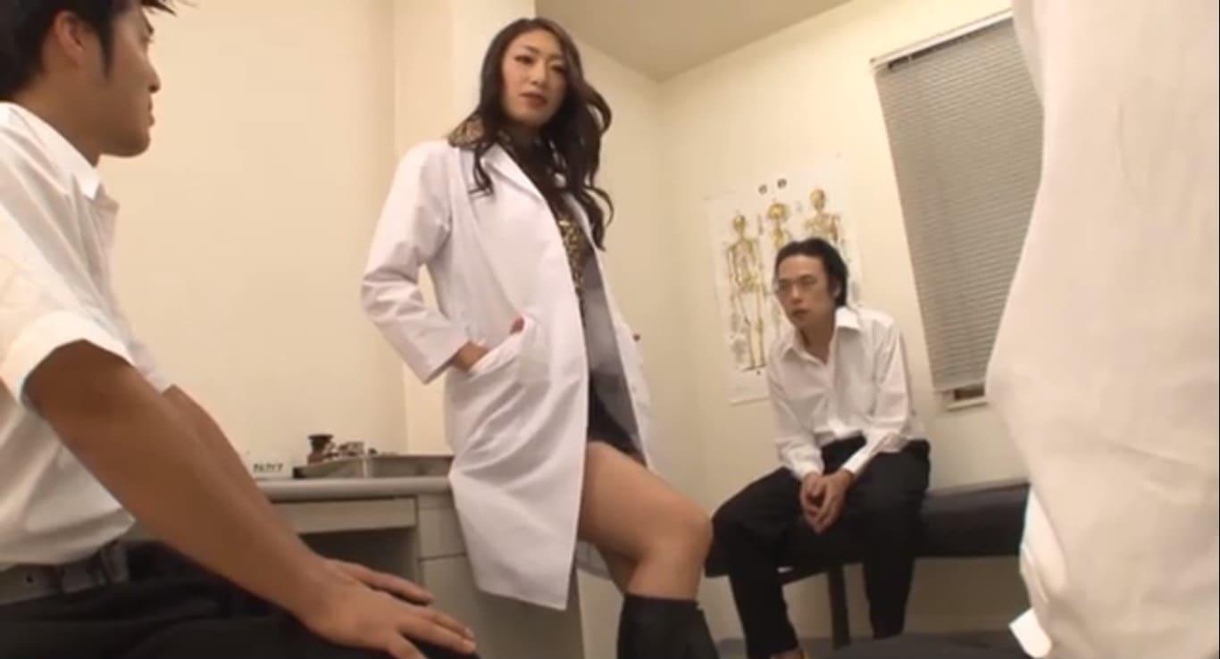 小早川怜子養護教諭