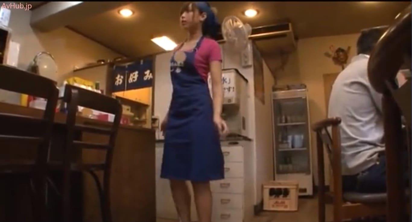 お好み焼き屋の美人店員佐倉カオリ