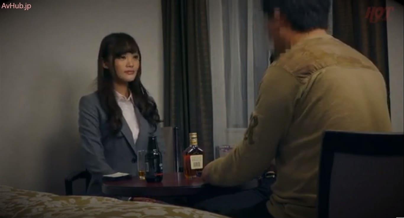 【春海紗奈】クライアントの新人女性社員が酔っ払って甘えて来るラッキーシチュエーション!娘ほどの年齢の美人に懇願されて生ハメ中出しリスキーセックス