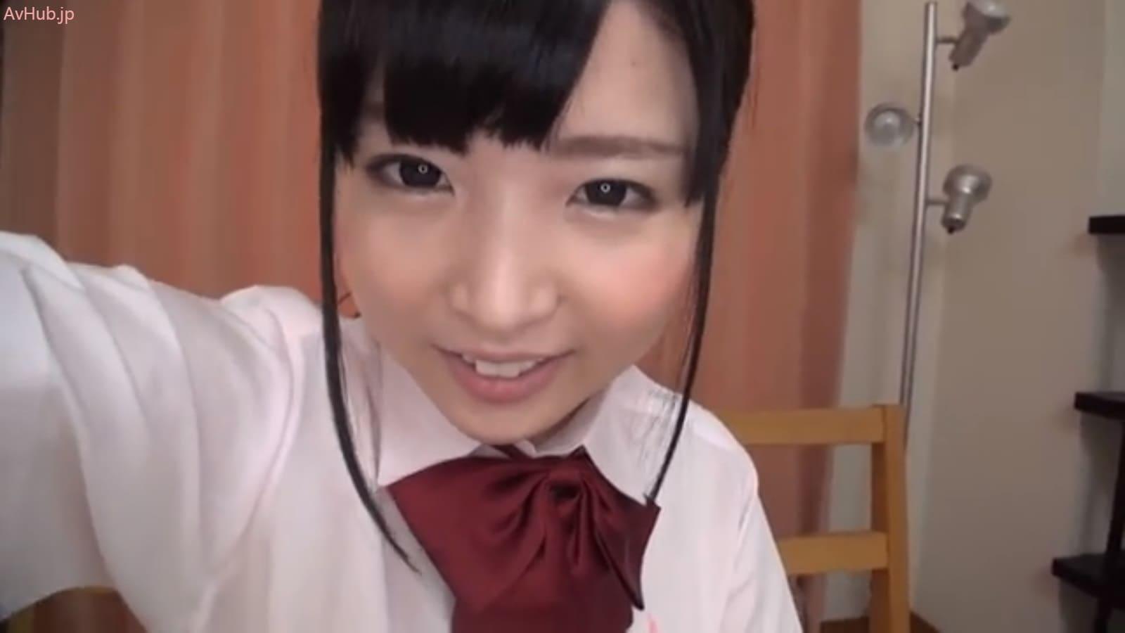 なごみは触覚ヘアが似合う可愛らしい顔立ちの女子校生
