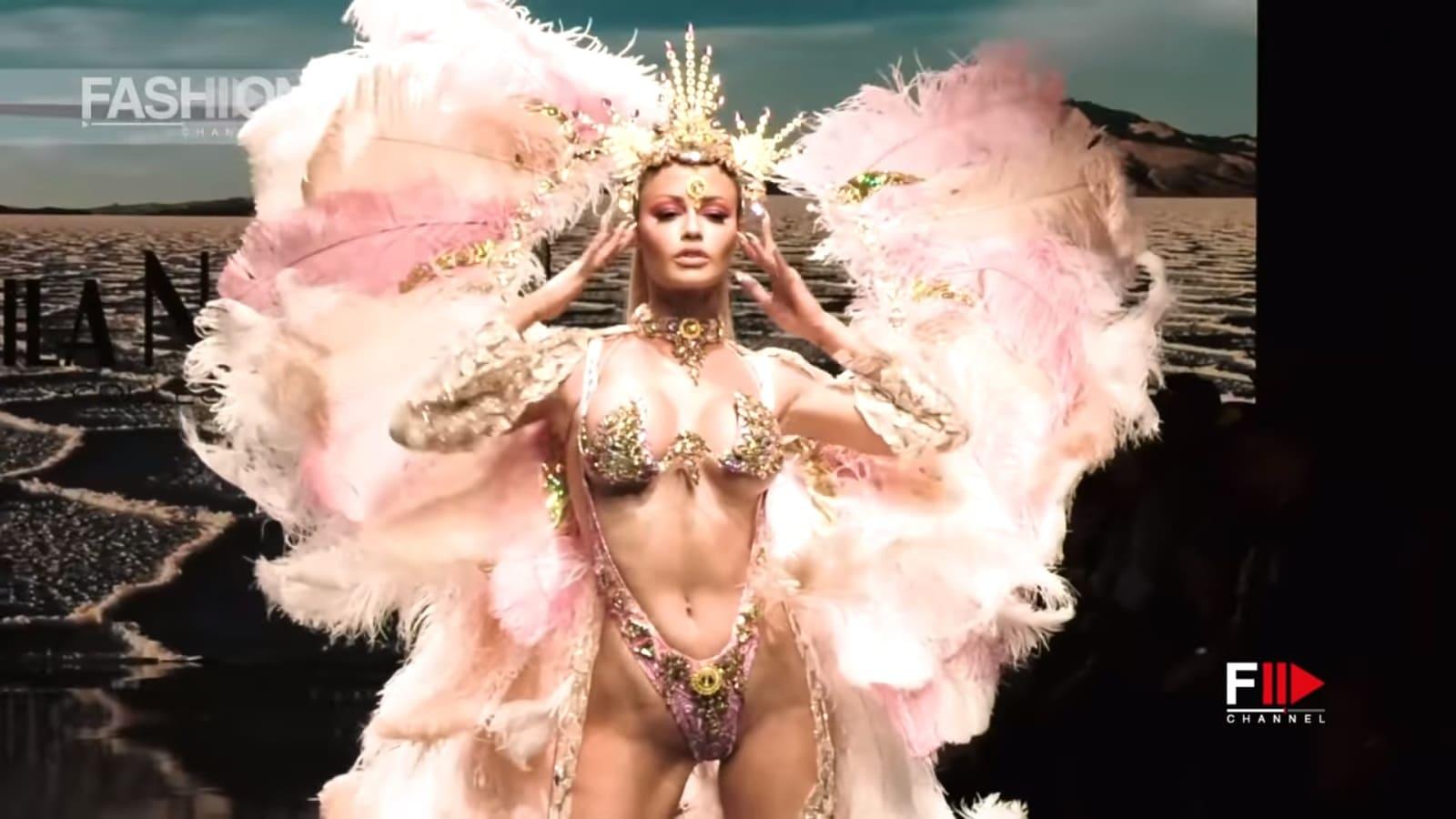 リオのカーニバル的ファッションショー