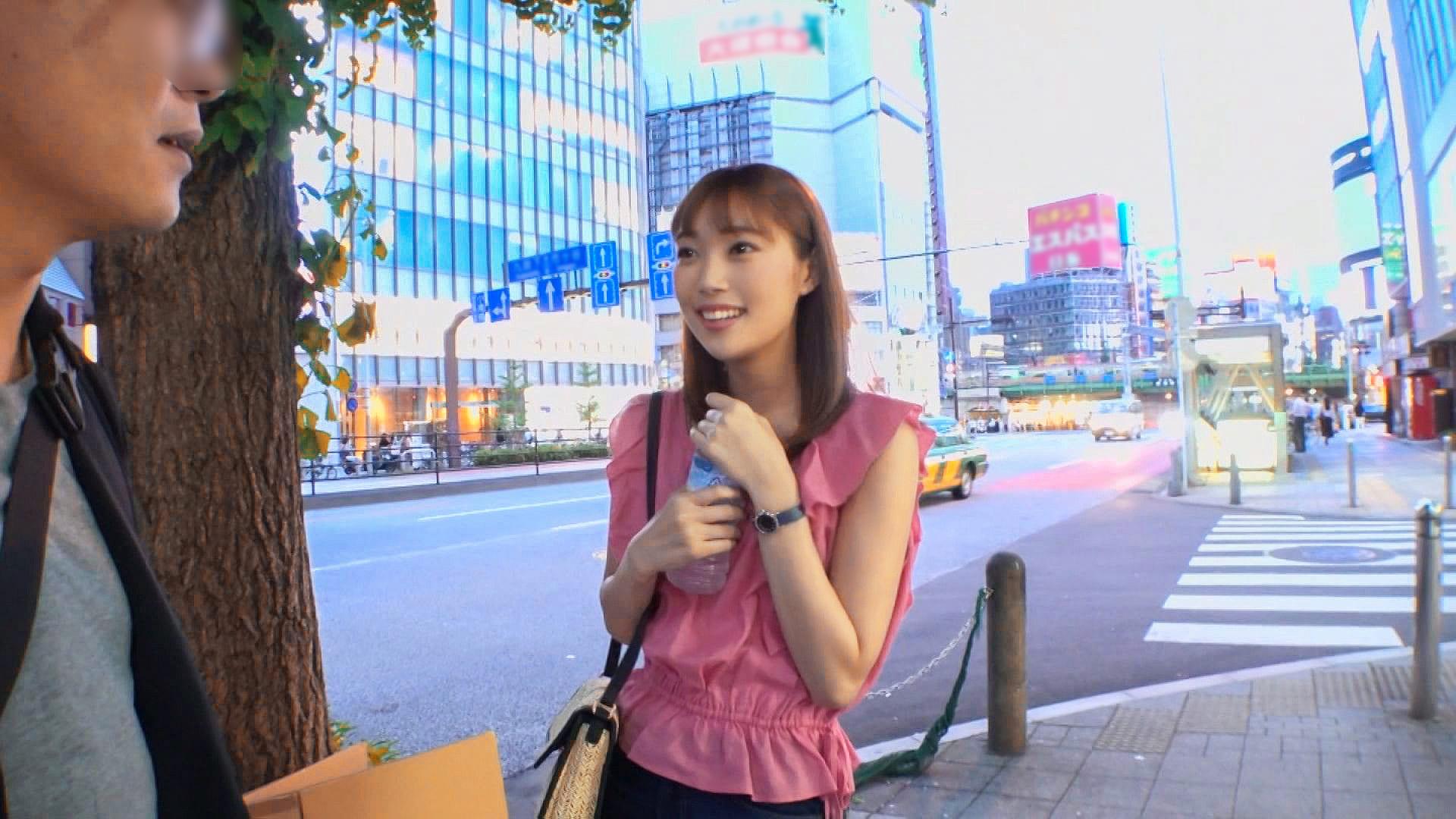 新宿駅周辺で可愛い女の子を探す