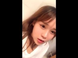 【無修正】超美人な中国娘がスマホ撮影のズボ挿れオナニーライブ