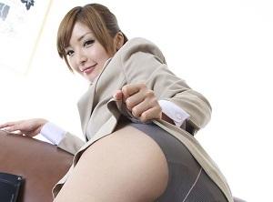 【無修正】鈴音りおな オナホールの訪問販売員がマンコも使ってたっぷり営業!