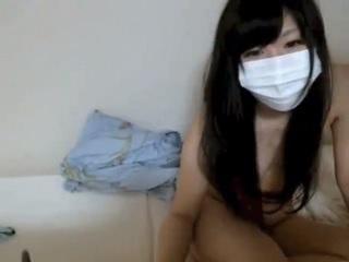 【無修正】清楚な雰囲気の激カワ美少女との円光SEXをライブチャットで生配信!
