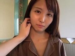 【無修正】細身な美人お姉さんの綺麗なマンコに種付けする不倫パコ