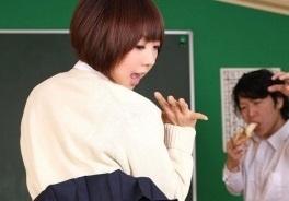 【無修正】浅倉奈保美 ショートの似合う制服JKを放課後の教室で大量中出しする濃密エッチ