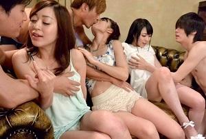 【無修正】篠めぐみ×川越ゆい×小野麻里亜 S級女優3人が部屋中をずぶ濡れに潮吹きのオンパレード!