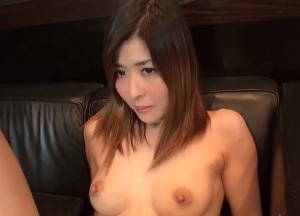 【無修正】20歳の敏感すぎる若妻が母乳ブシャブシャ噴きまくるハメ撮り!