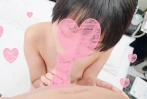 【無修正】素朴なボーイッシュ素人が愛液まき散らしながら生ピストンに悶える中出しセックス
