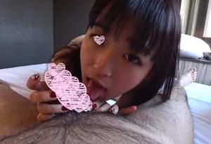 【無修正】ロリ可愛いS級美少女が唾液たっぷりでチンポ咥え込み中出し懇願