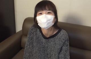 【無修正】あどけない貧乳童顔シロウトに無許可で中出しするハメ撮り映像