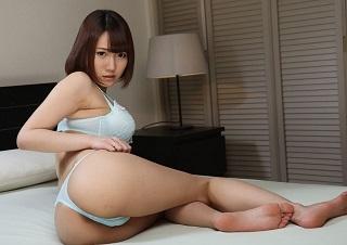 【無修正】菊川みつ葉 旦那が寝てる間にオヤジに種付けされる美人若妻