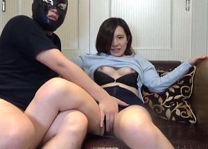 【無修正】真っ白肌に美尻×美巨乳な若妻さんの桃色マンコに肉棒生挿しの中出しセックス