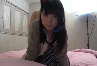 【無修正】素人美少女JKのパイパンロリマンコに精液注ぎ込む中出し円光