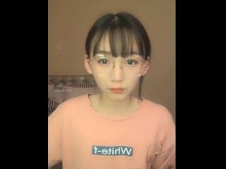 【無修正】稀に見る可愛さのシロウト美女が広げたマンコに玩具ズボ挿れのライブ映像