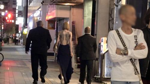 夜の巷を徘徊する〝激レア素人〟!! 31 全身Tatto〟〝170cm高身長〟エル(仮名) 21歳 謎のマルチ経営者 300MIUM-521(佐藤エル) 15