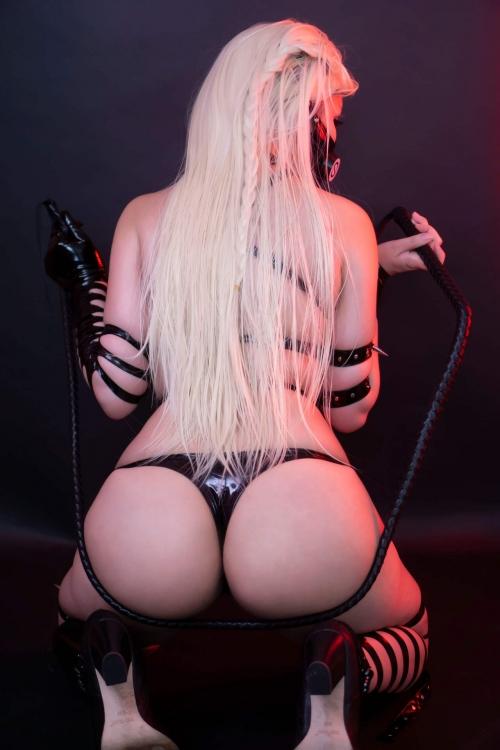 Hana Bunny Cosplay 27