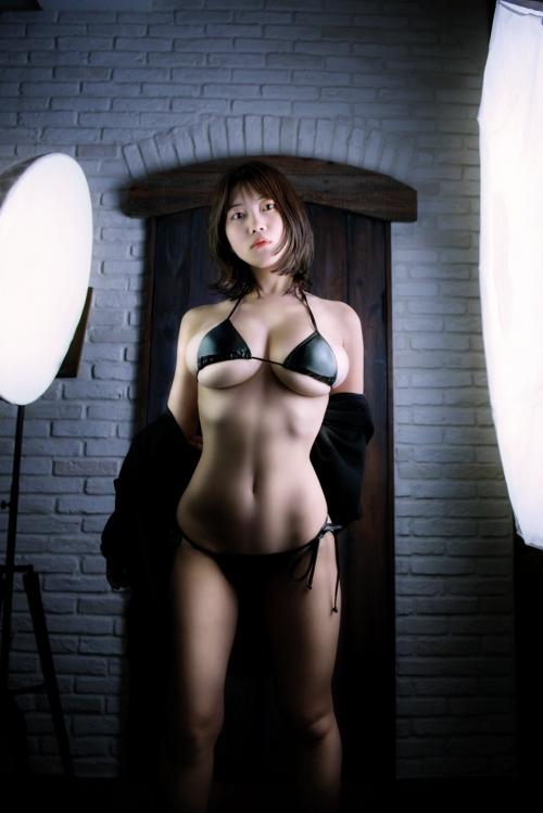 伊織いお Jカップ グラビアアイドル 24