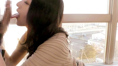 「今からこの人妻とハメ撮りします。」不倫精子もしっかり飲み干すチ●ポ狂い! 『全国人妻えろ図鑑 なぎさ 27歳 (水上凪紗)』 12
