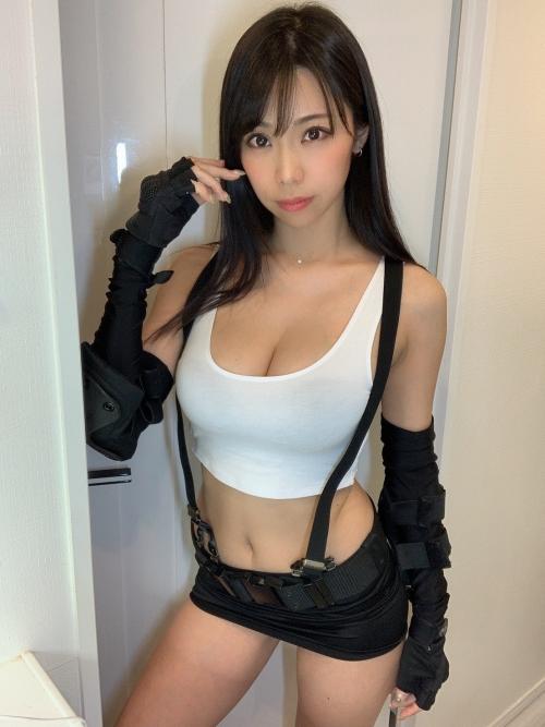 鈴木ふみ奈 FF7・ティファコスプレ グラビアアイドル 03