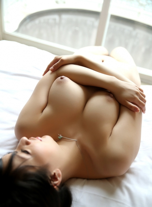 AV女優 おっぱいの谷間 37