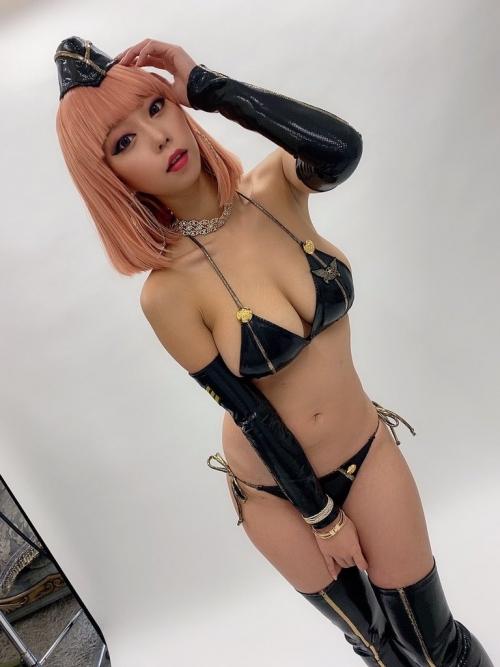 巨乳グラビアアイドルのビキニ 40