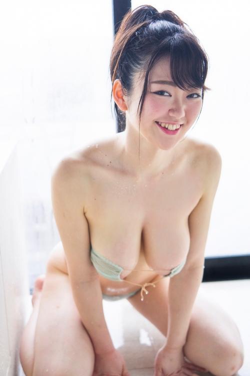 巨乳グラビアアイドルのビキニ 59