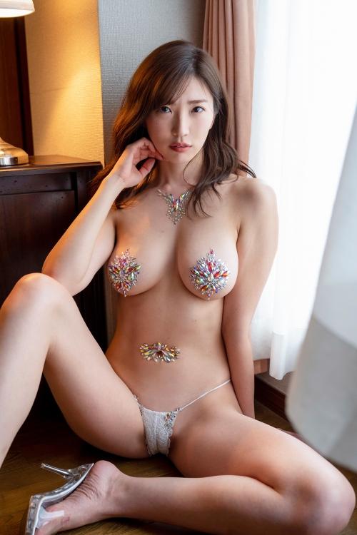 巨乳グラビアアイドルのビキニ 60