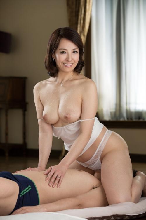 性欲しか無さそうなドスケベマダムズ 巨乳人妻・熟女AV女優 49