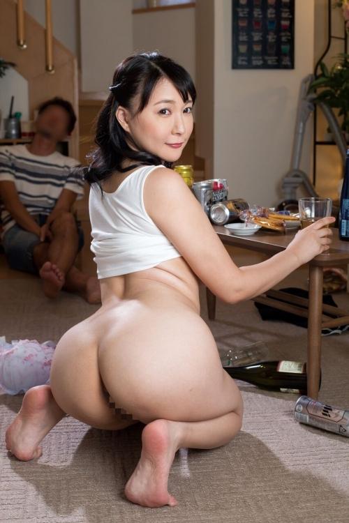 性欲しか無さそうなドスケベマダムズ 巨乳人妻・熟女AV女優 09