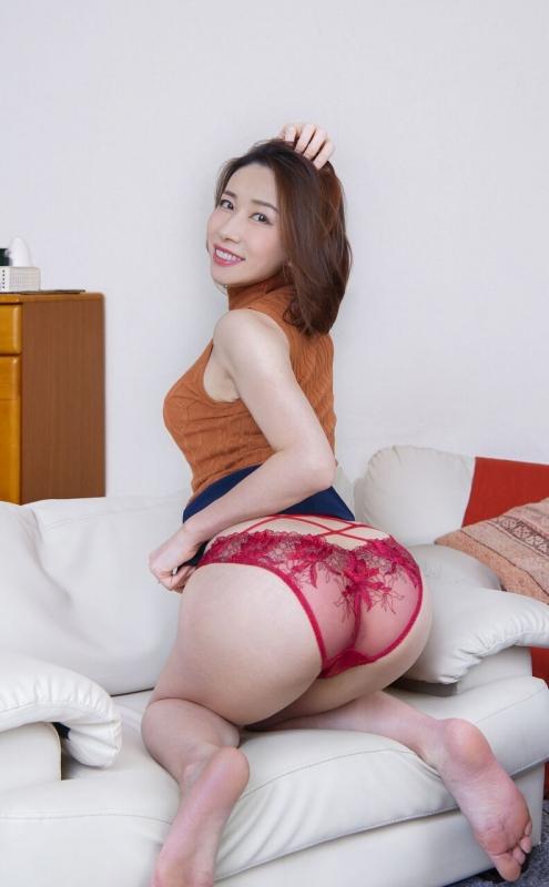性欲しか無さそうなドスケベマダムズ 巨乳人妻・熟女AV女優 22