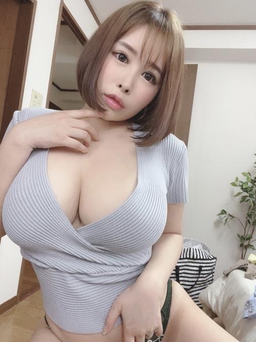 性欲しか無さそうなドスケベマダムズ 巨乳人妻・熟女AV女優 23