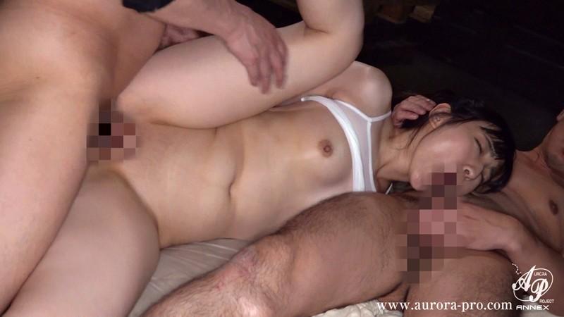 汗と唾液と精液の臭いに塗れて、彼氏の前で、性処理人形のように輪●される私 河奈亜依apns00155jp-1.jpg