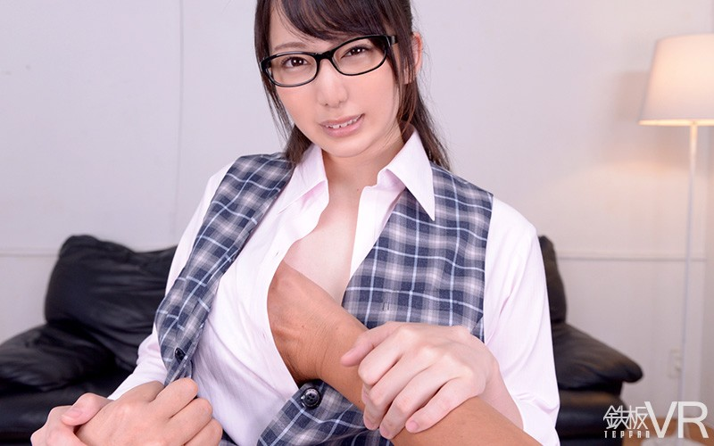 【VR】HQ60fps 美人女子銀行員 横領着服!上司に弱みを握られ脅されて強引フェラ&中出しh_1256tpvr00175jp-8.jpg
