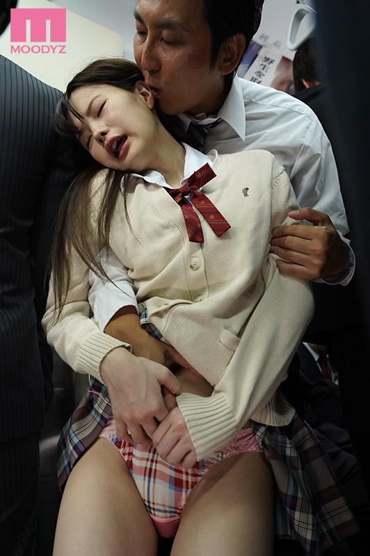満員電車で触られているのに何も言えない陰キャ女子がいたので翌日から僕が奪って追撃痴●した。 松本いちかmiaa00244jp-4.jpg