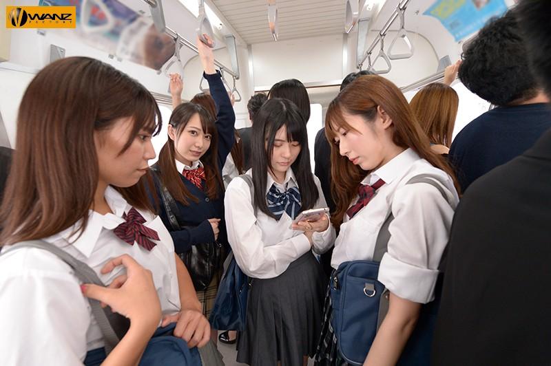 【VR】満員電車で突然キス誘惑される逆痴● 弥生みづきwavr00092jp-2.jpg
