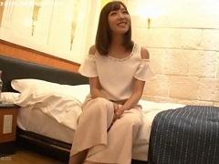 ほろ酔い状態の岡村孝子似の子をホテルに誘って・・・