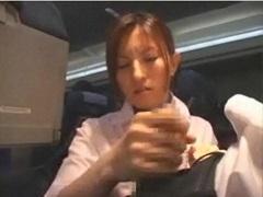 フライト中ムラムラした乗客をこっそり抜いてあげるCA