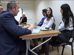 商談を有利に運ぶ為にテーブルの下で軽く足コキするキャリアウーマン2人組