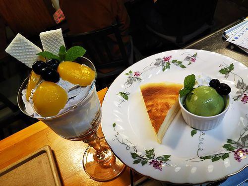 20181012草津温泉カフェ花栞(はなしおり)マロンパフェとチーズケーキ