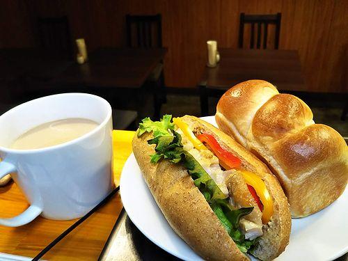 20181107草津温泉のパン屋さん、こごみパン1