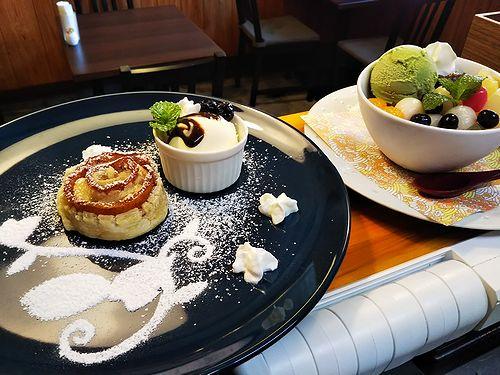 20181112草津温泉カフェ花栞(はなしおり)アップルパイ、白玉クリームあんみつ1