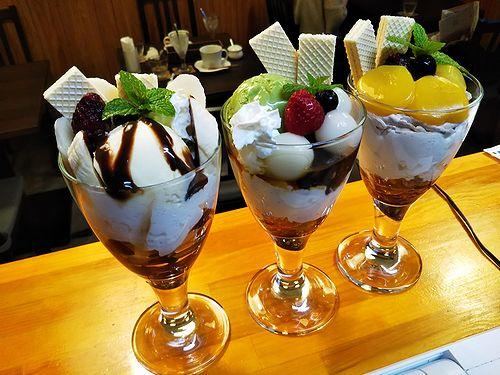 20181124草津温泉カフェ花栞(はなしおり)マロンパフェ、白玉抹茶パフェ、チョコバナナパフェ2