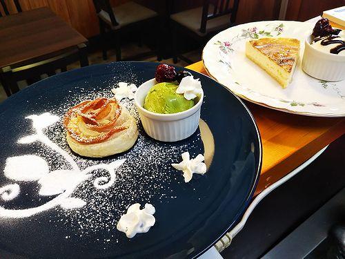 20190114草津温泉カフェ花栞(はなしおり)アップルパイ、チーズケーキ1